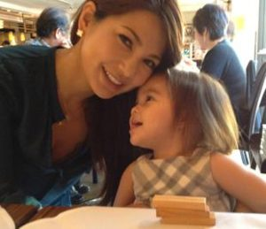 成田和美 娘 画像